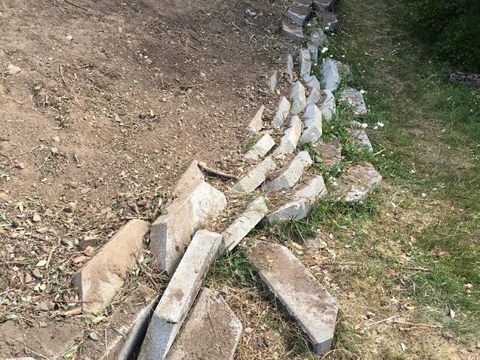 nedfalt-mur
